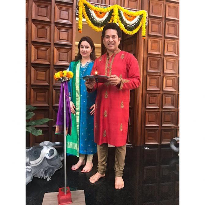Sachin Tendulkar with anjali