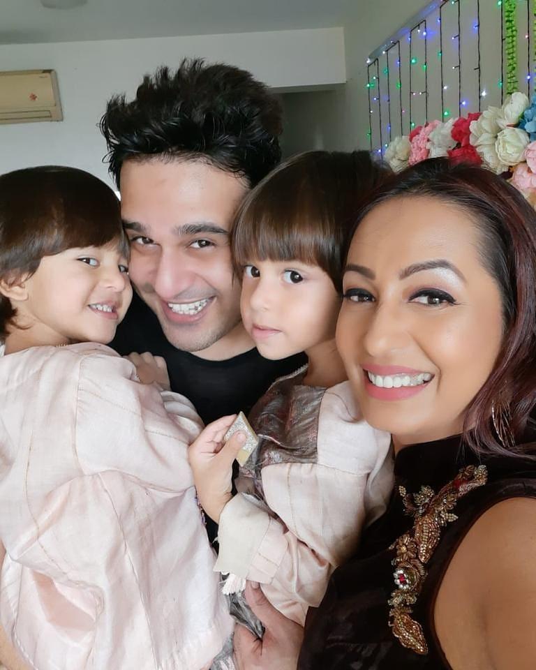 Krushna Abhishek Family