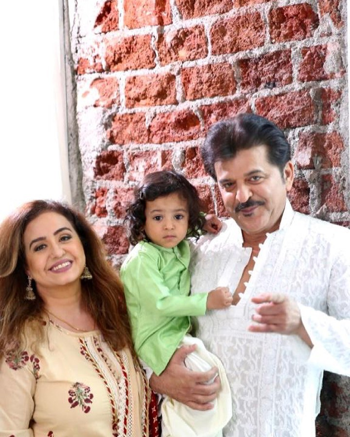 Rajesh Khattar With Family