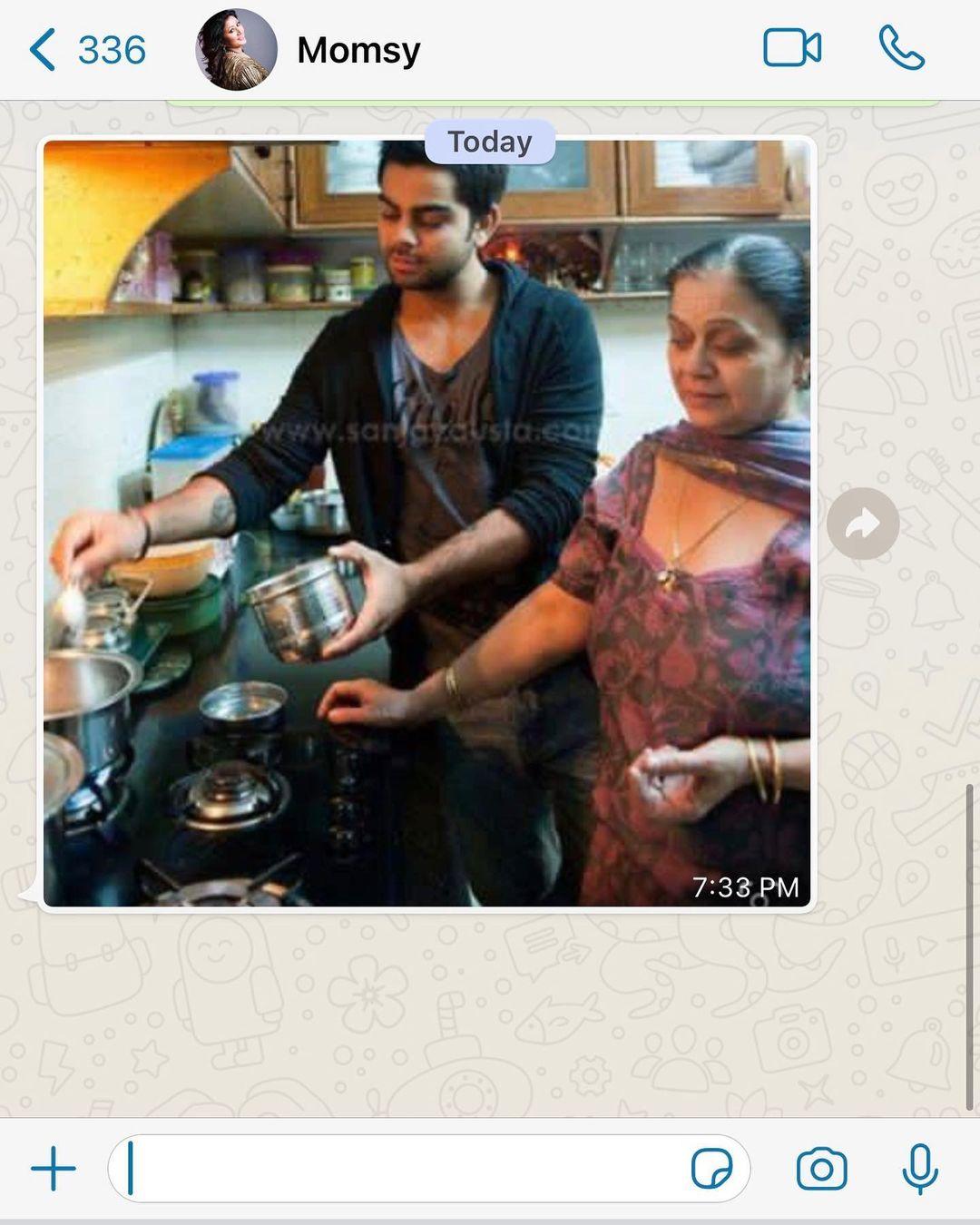urvashi rautela mother