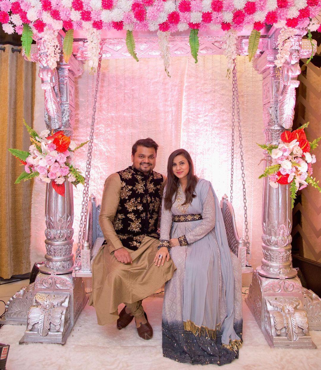 vrinda dawda with her husband