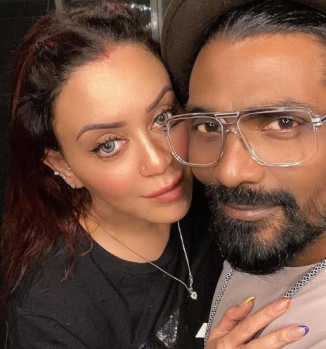 remo with wife