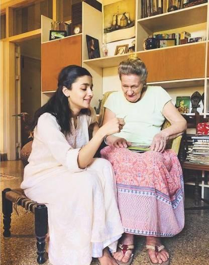 Alia Bhatt With Grandmother