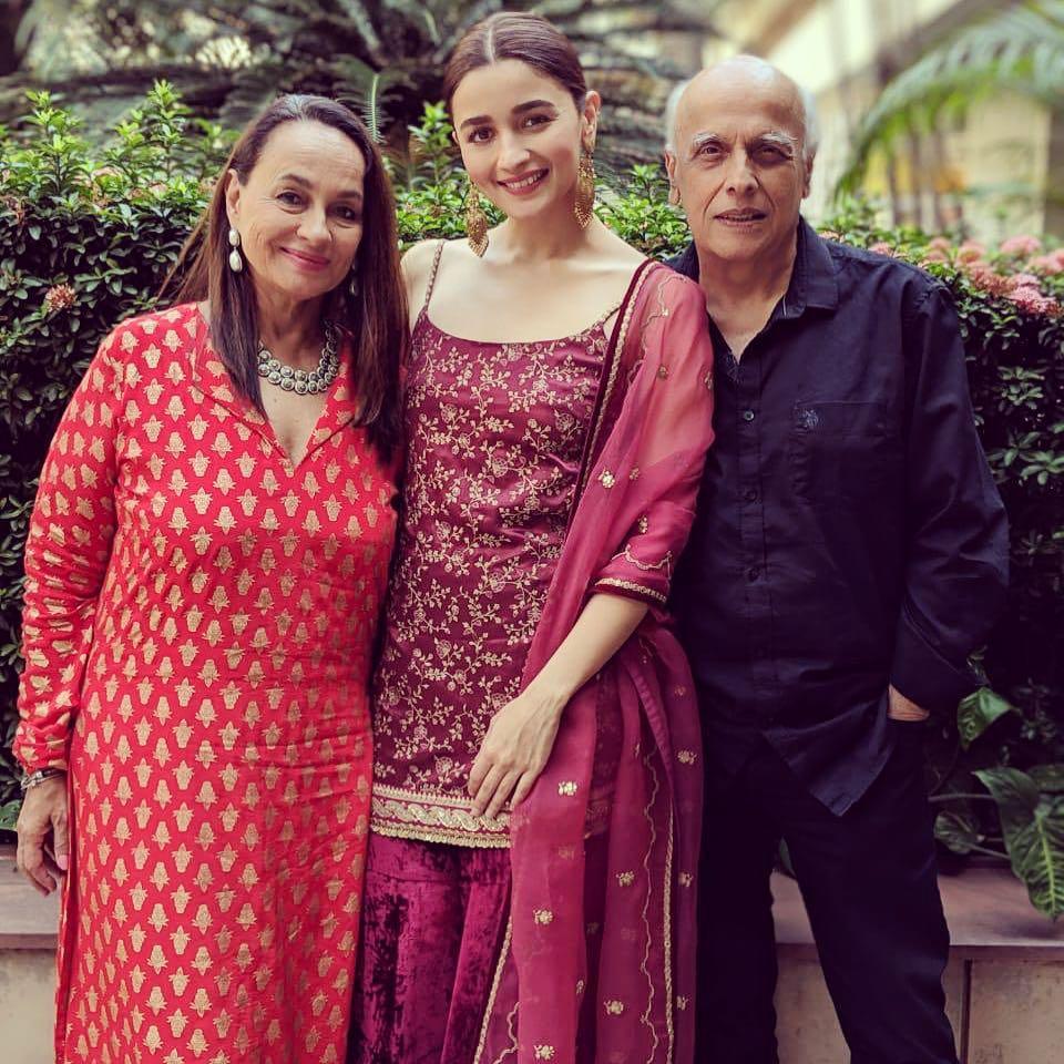 Alia Bhatt With Parents