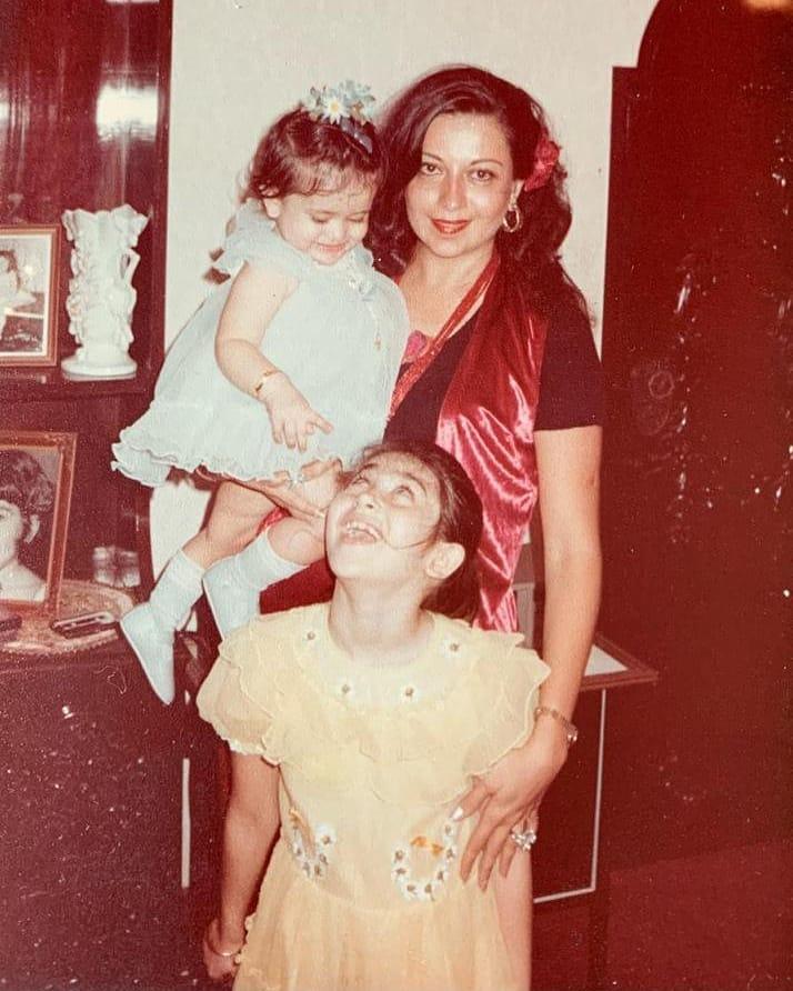 kareena childhood photo