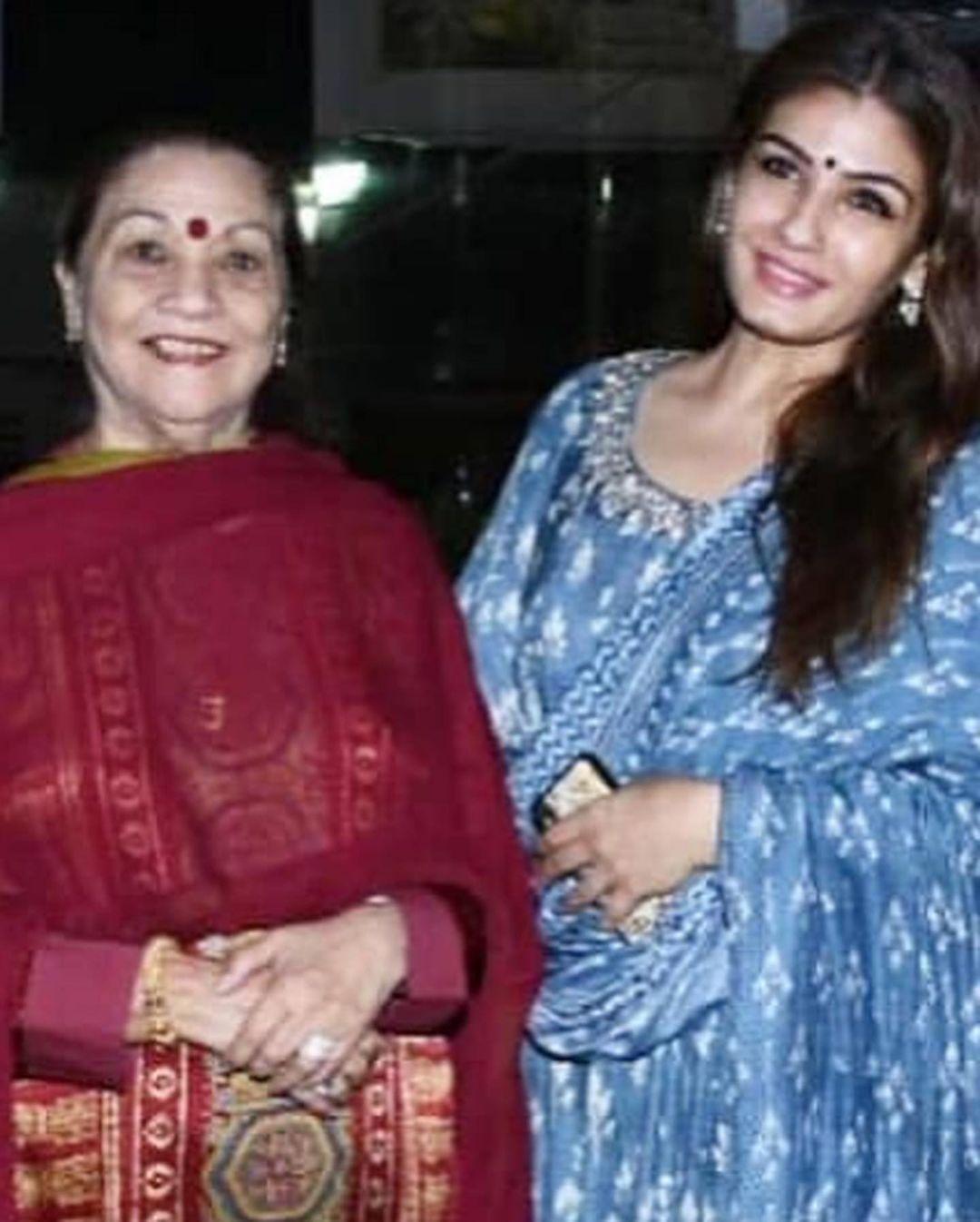 raveena tandon and veena tandon photo