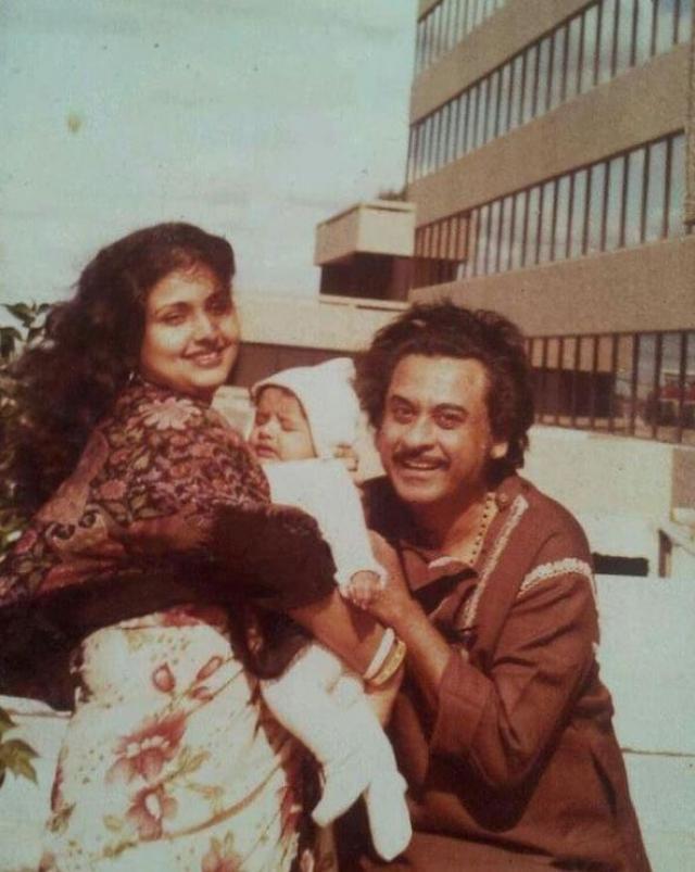 Kishore Kumar, Leena Chandavarkar and Sumit Kumar