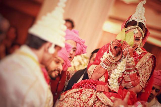 Bipasha Basu Bengali Wedding