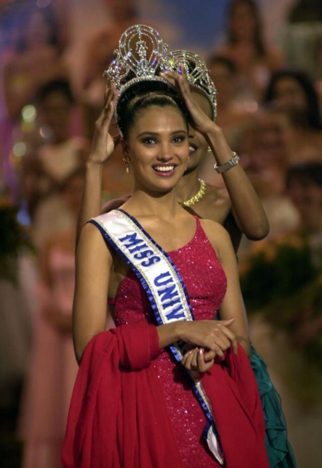 Lara Dutt Miss Universe 2000