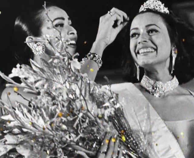 Namrata Shirodkar Femina Miss India 1993