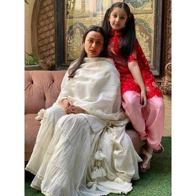 Namrata Shirodkar With Her Daughter