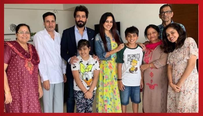 Kamya Punjabi  Family