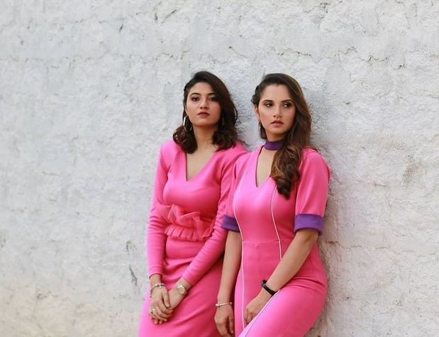 Sania Mirza With Her Sister Anam Mirza