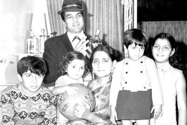 Dharmendra's first Wife Prakash Kaur and children