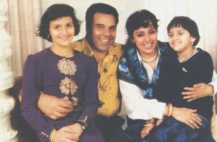 Dharmendra' Second Wife Hema Malini And Daughters