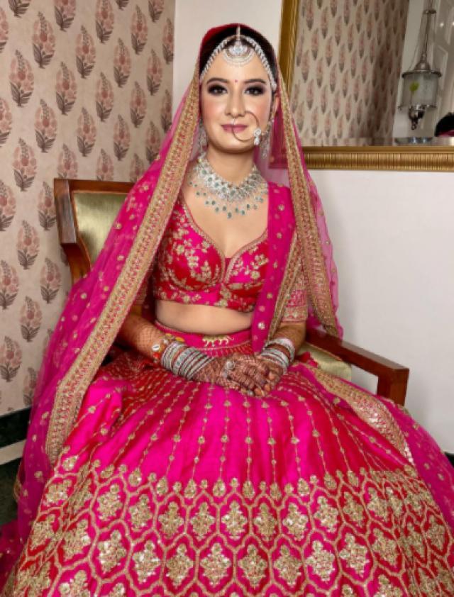 Sabyasachi Mukherjee latest bridal outfir
