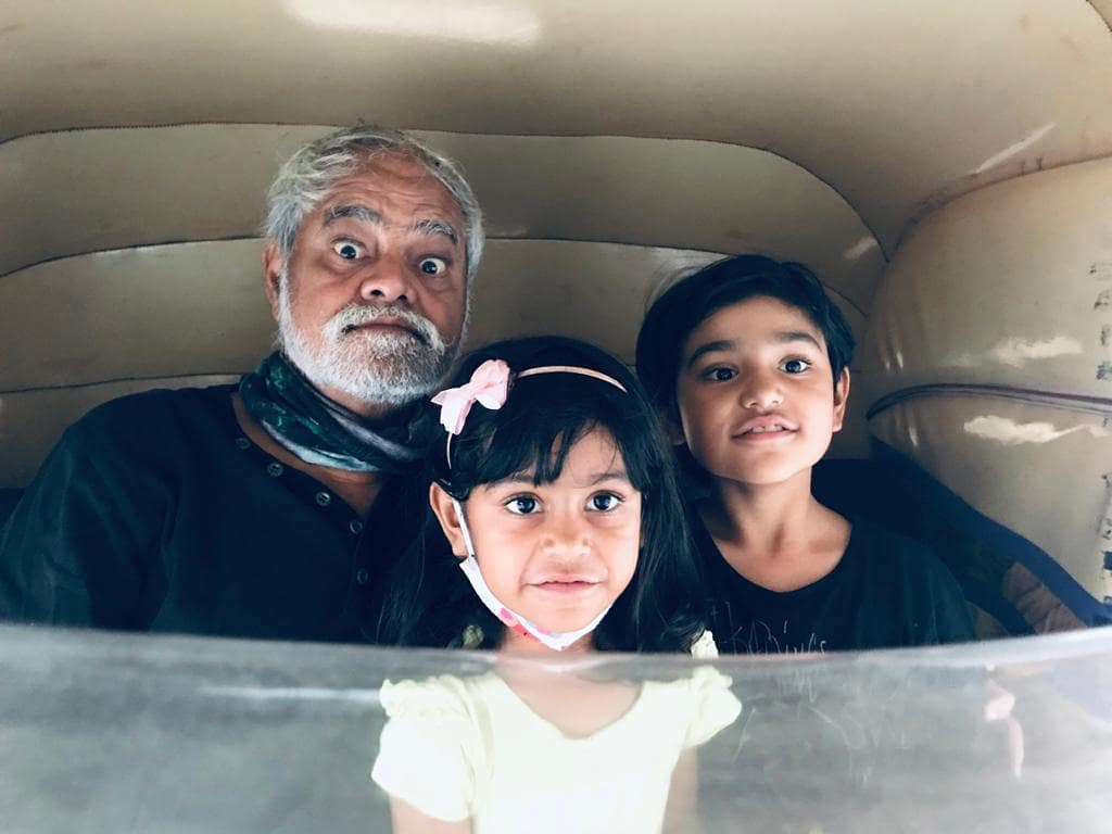 sanjay mishra daughters