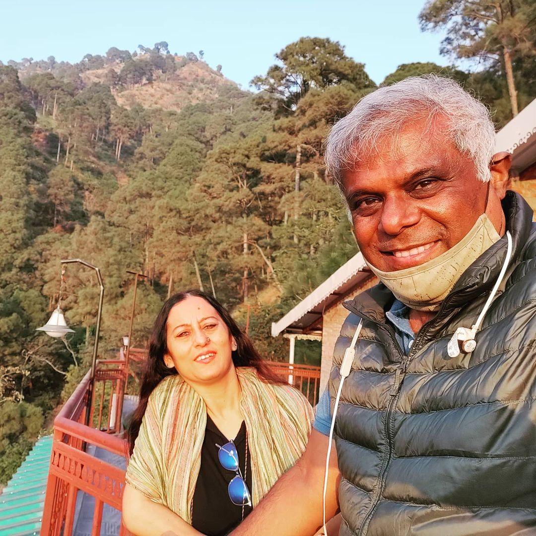 Ashish Vidyarthi wife