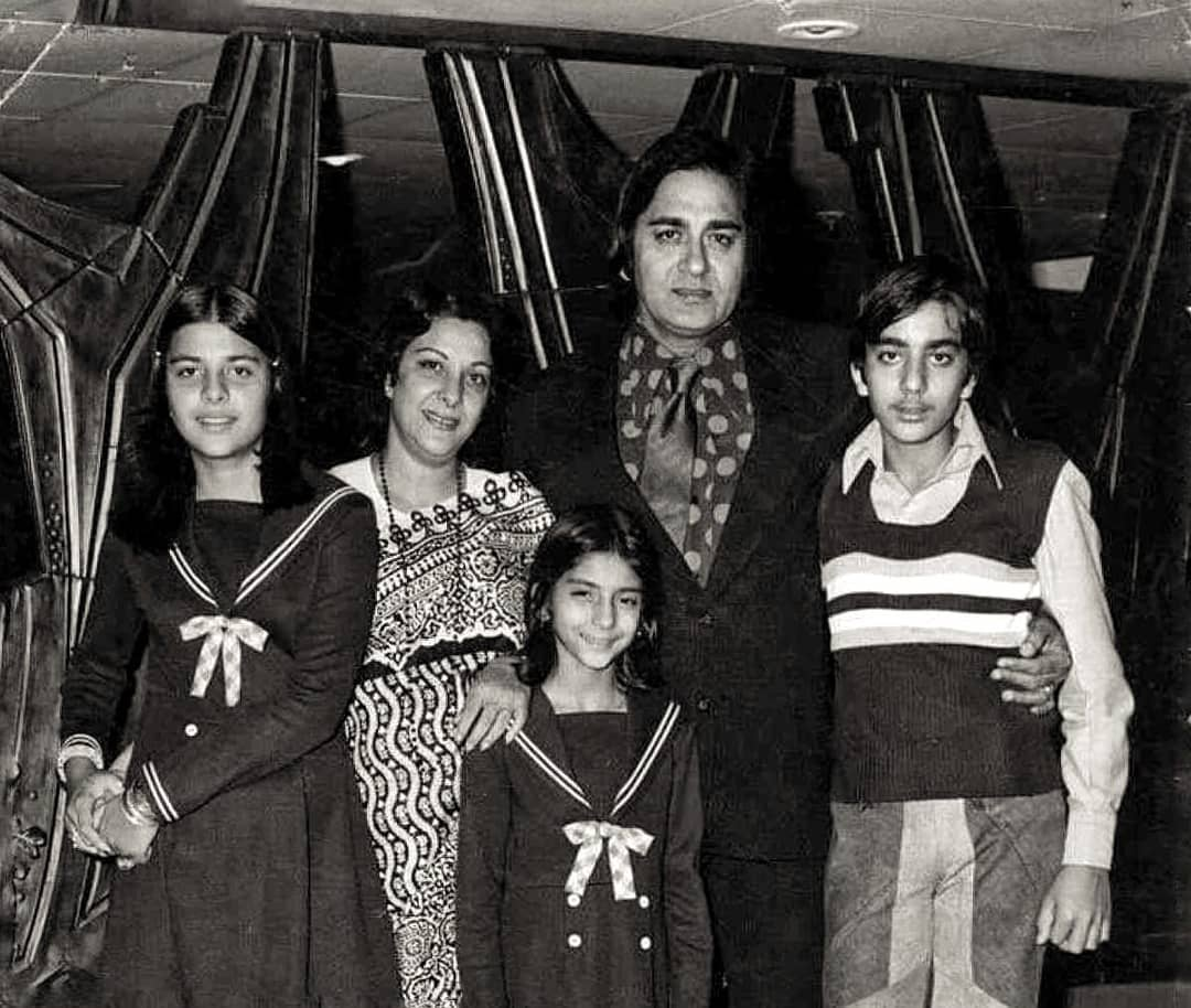 Nargis With Husband And Children