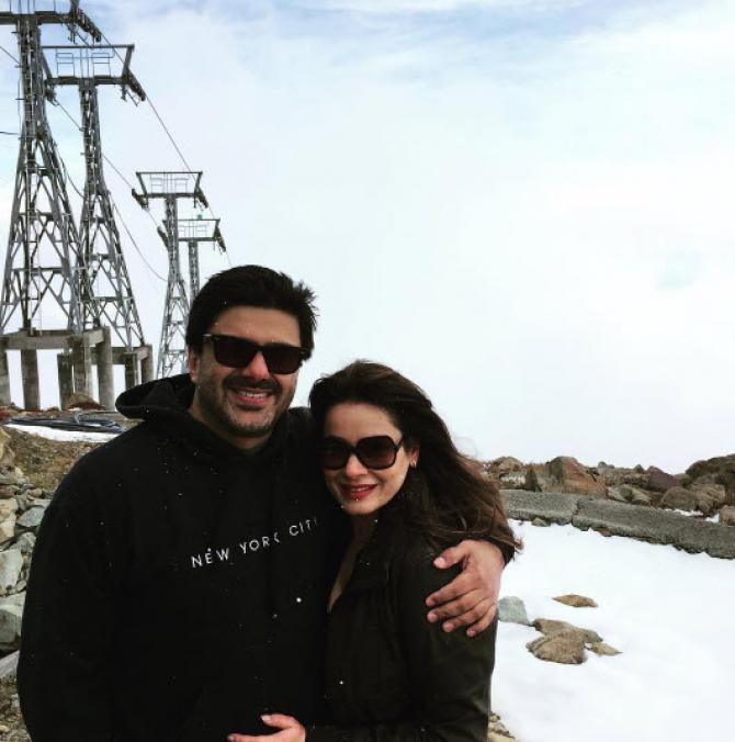 neelam kothari with husband