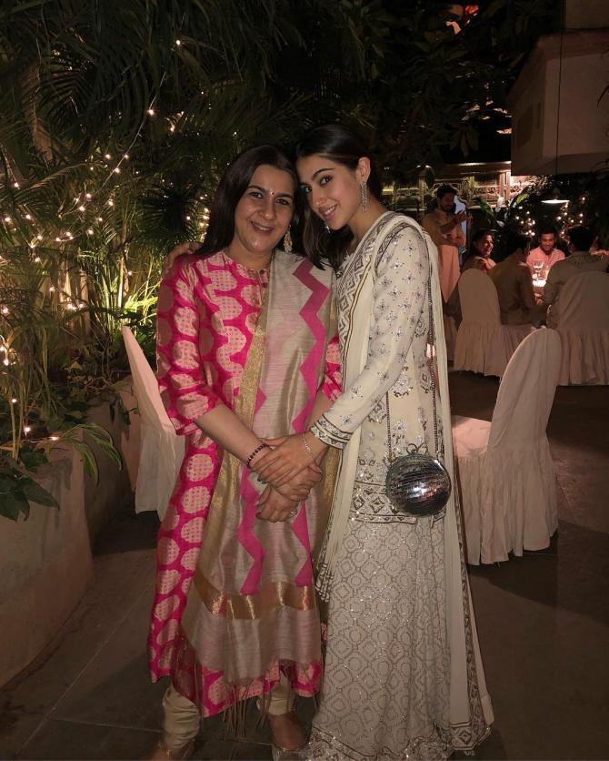 Sara Ali Khan With Mother