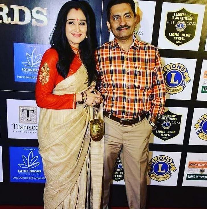 Disha Vakani With Husband