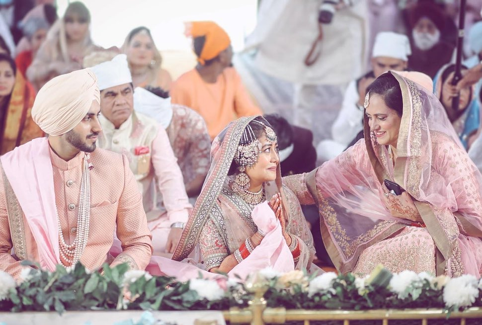 Neha Kakkar With Hubby Rohanpreet