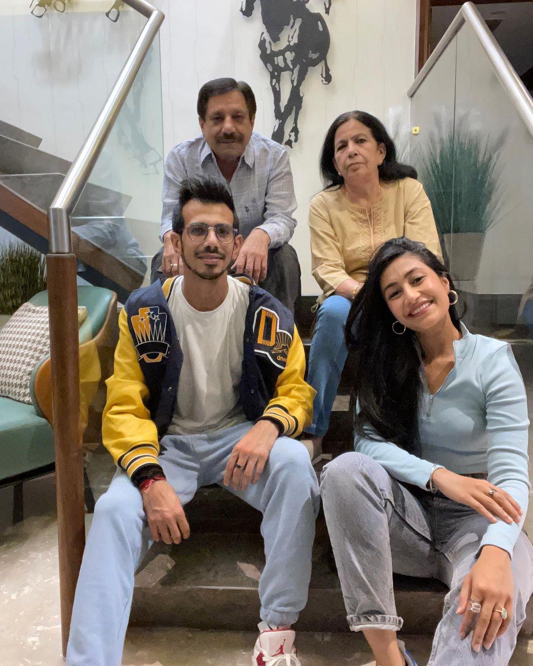 yuzvendra chahal with family