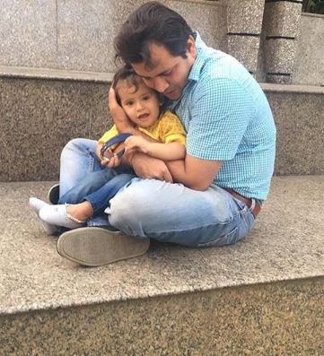 Abhinav Kohli With His Son Reyansh