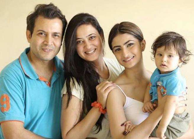 Shweta Tiwari With Husband Abhinav And Children