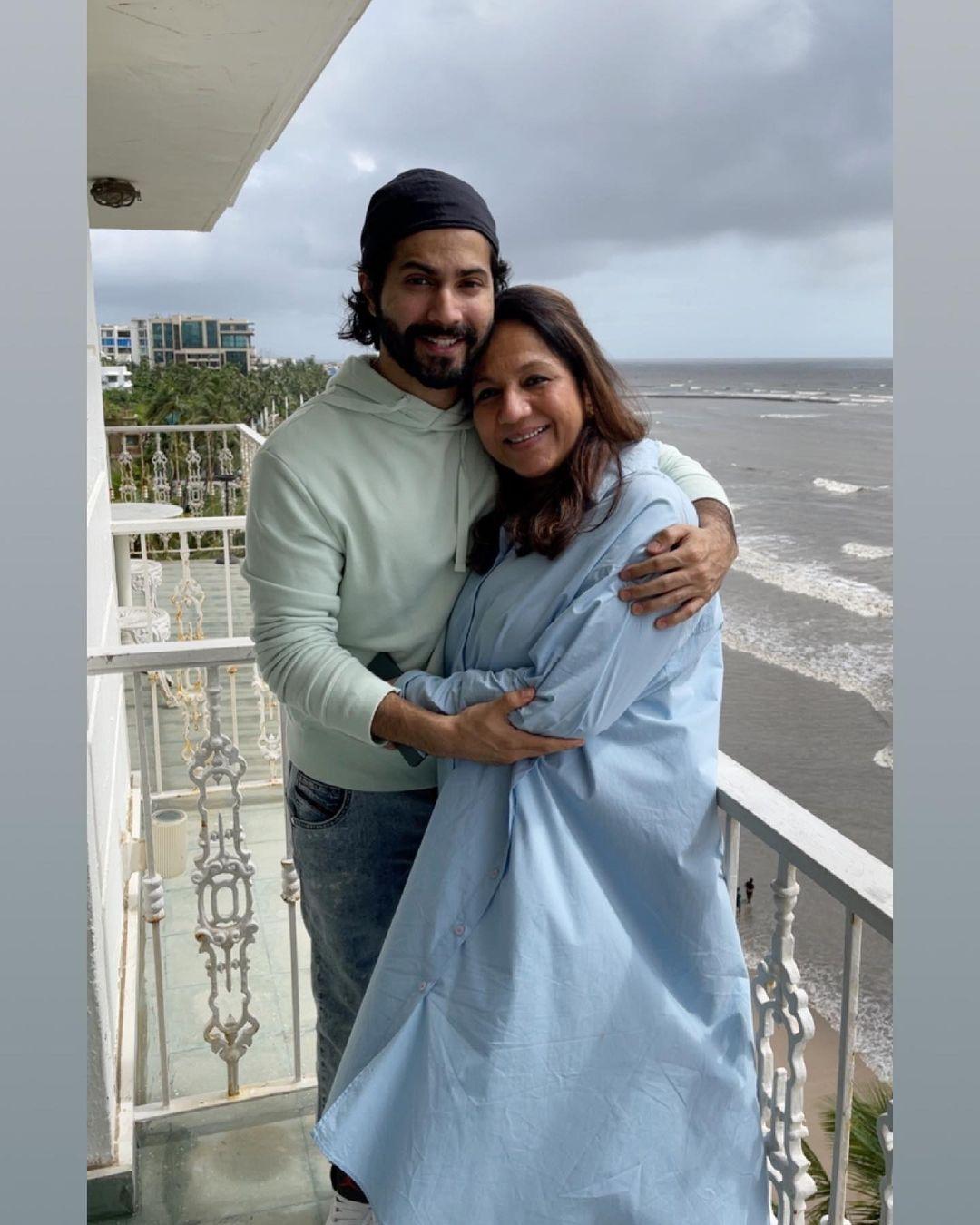 varun dhawan with mother