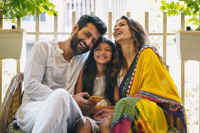 indraneil sen gupta with family