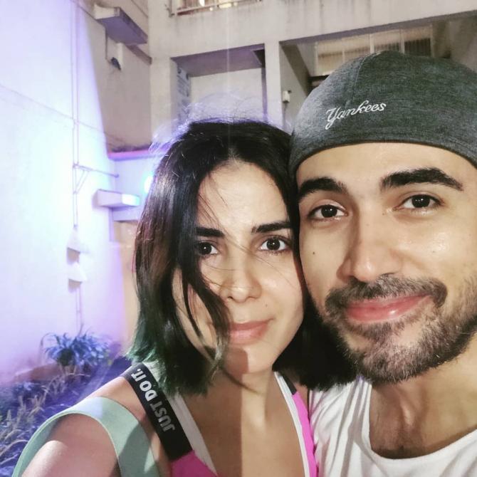 Kirti Kulhari with husband saahil