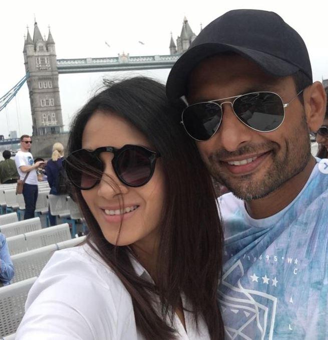 Indraneil With Wife Barkha