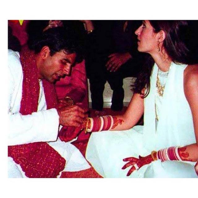 Akshay Kumar And Twinkle Khanna Wedding Photo