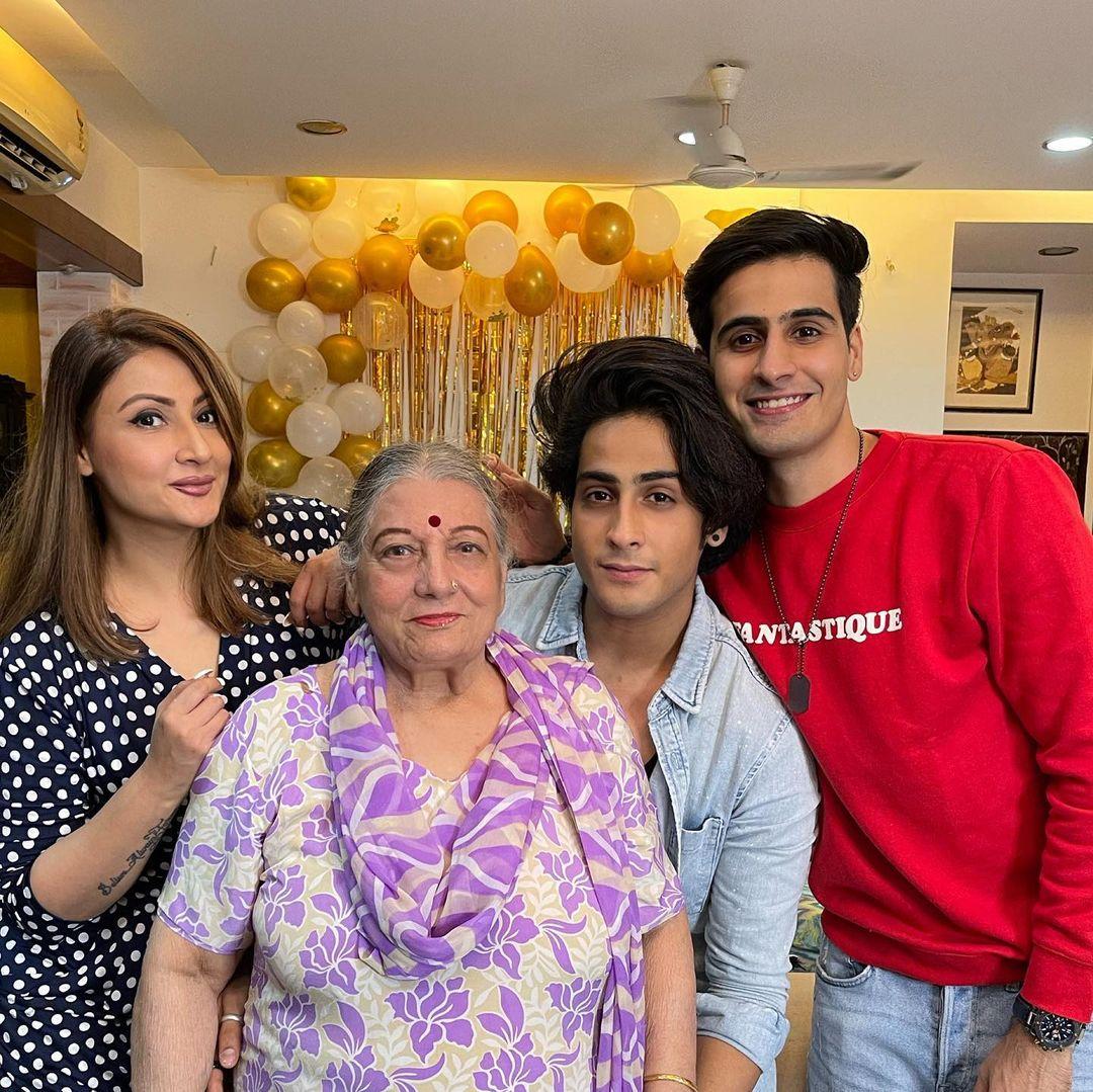 urvashi dholakia family