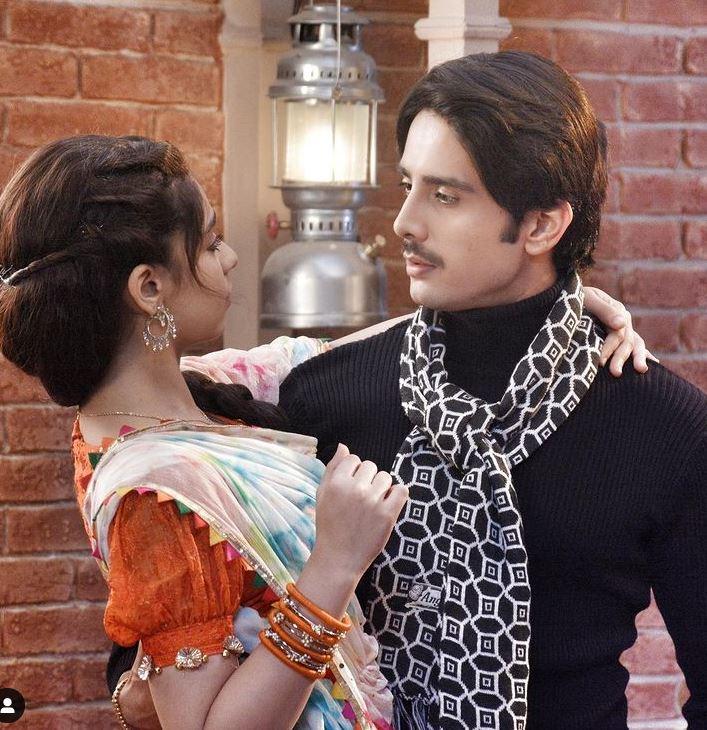 Zaan Khan With Co-star Gracy Singh