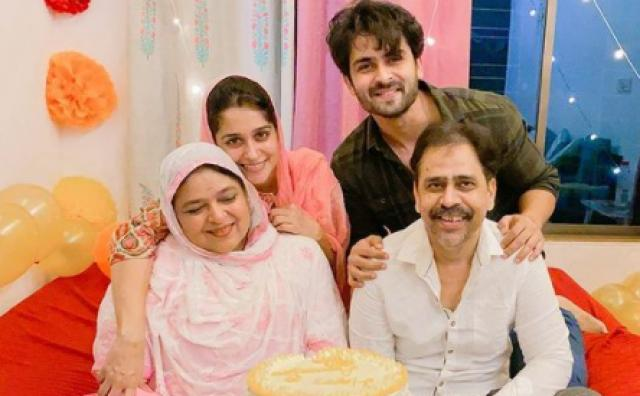 Shoaib Ibrahim With Wife and parents