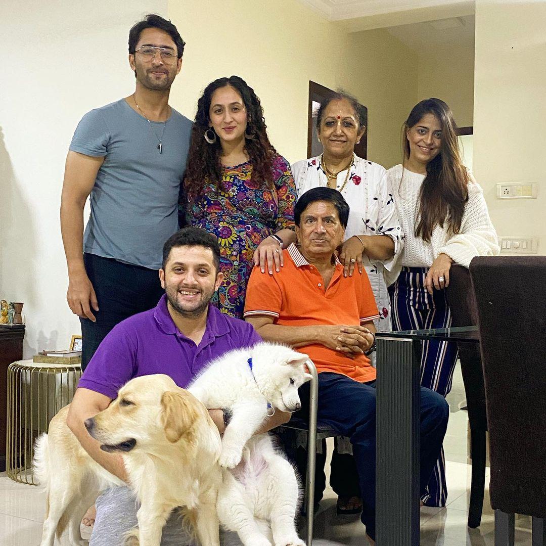 shaheer sheikh and ruchika kapoor family photo