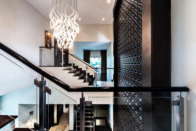 amitabh bachchan dubai house details