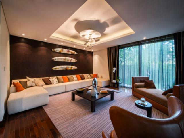 amitabh bachchan luxury house