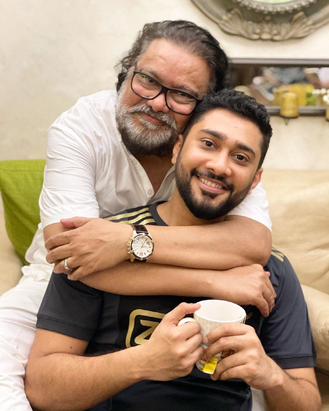 Zaid Darbar With Father Ismail Darbar