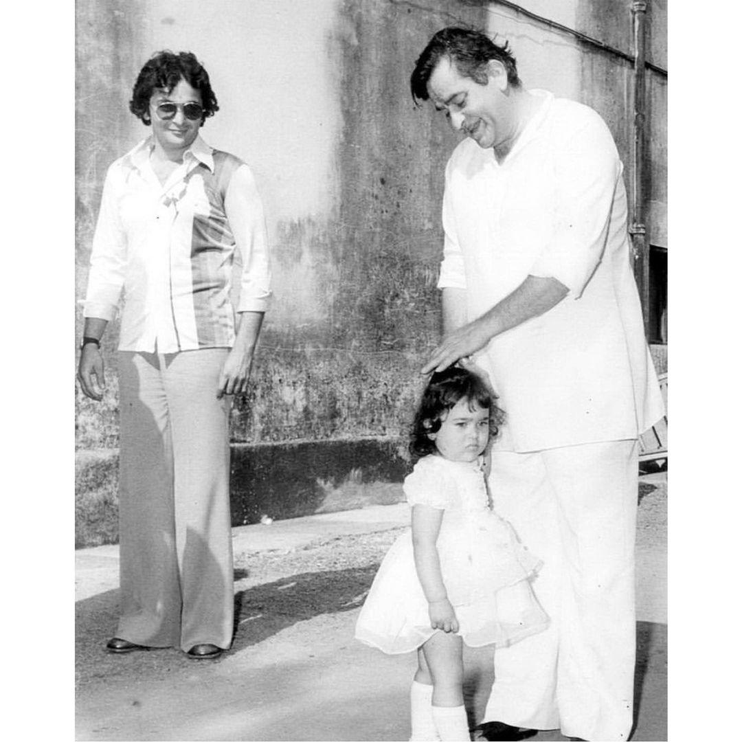 Karisma Kapoor With Rishi And Raj Kapoor
