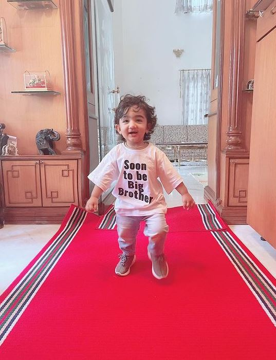 Lovey Sasan Son Royes