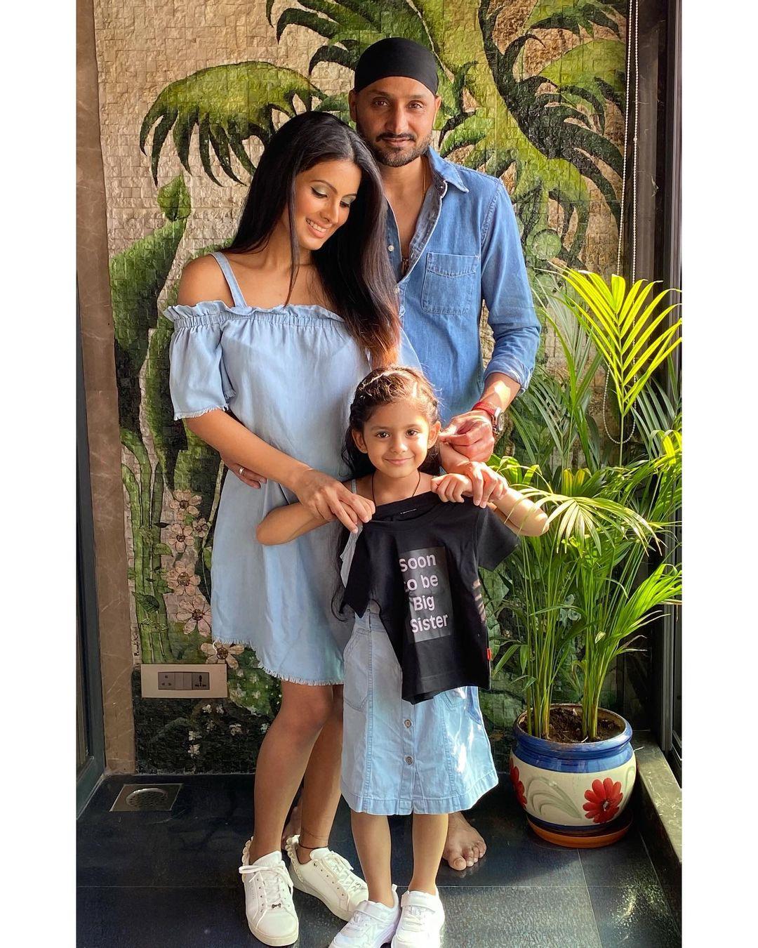 Harbhajana Singh With His Family