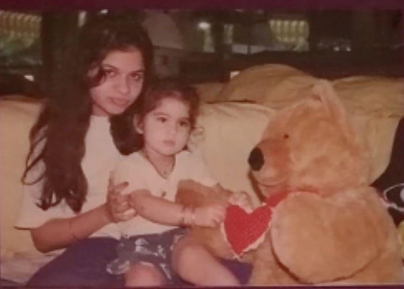 sara ali khan childhood