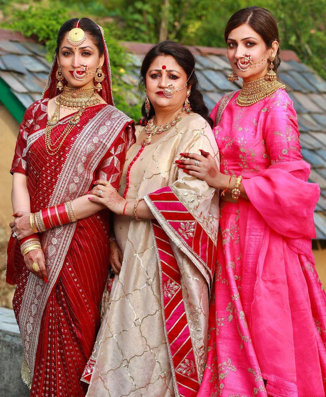 yami gautam family photo