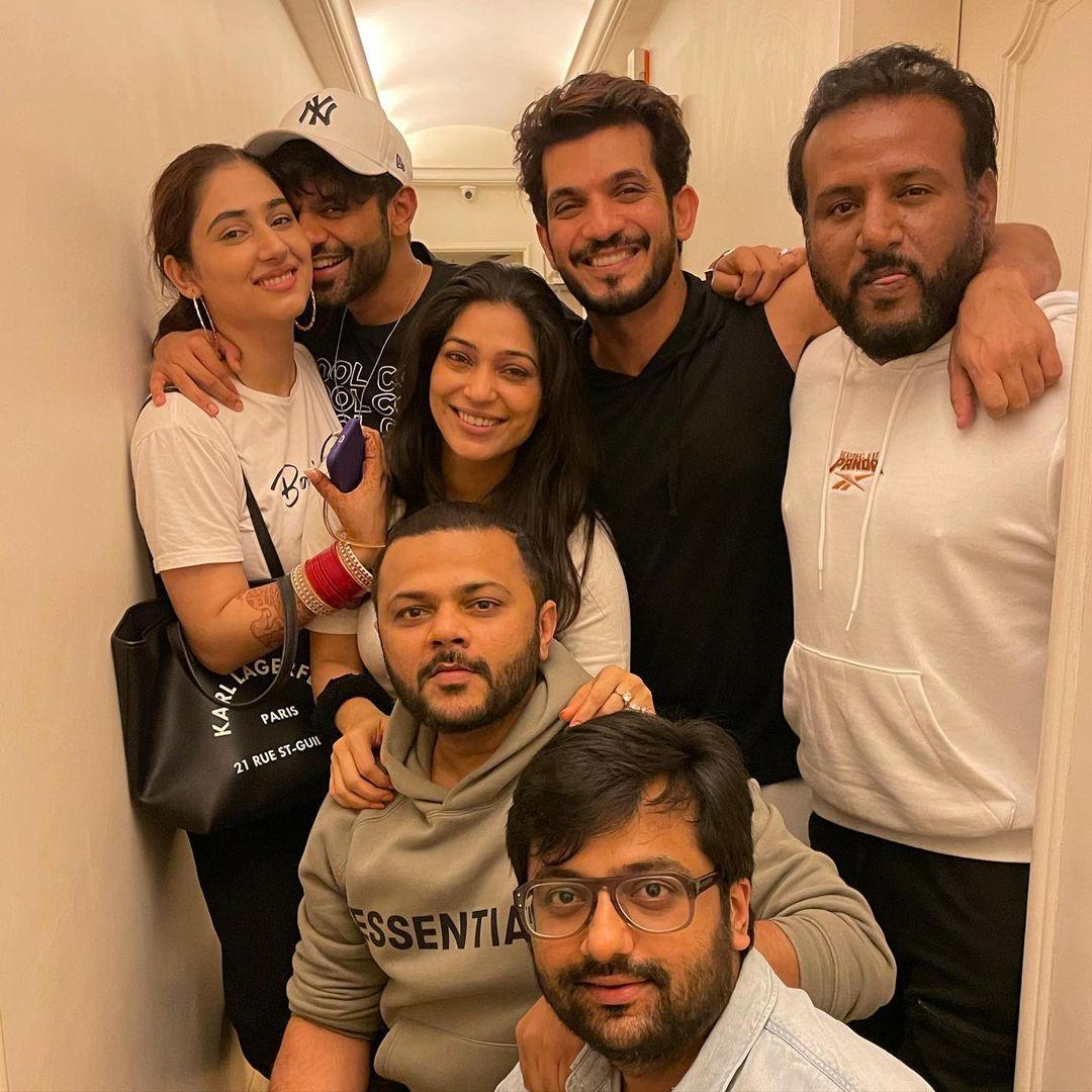 rahul and disha party photo