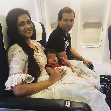 Shweta Tiwari With Husband Abhinav Kohli And Son