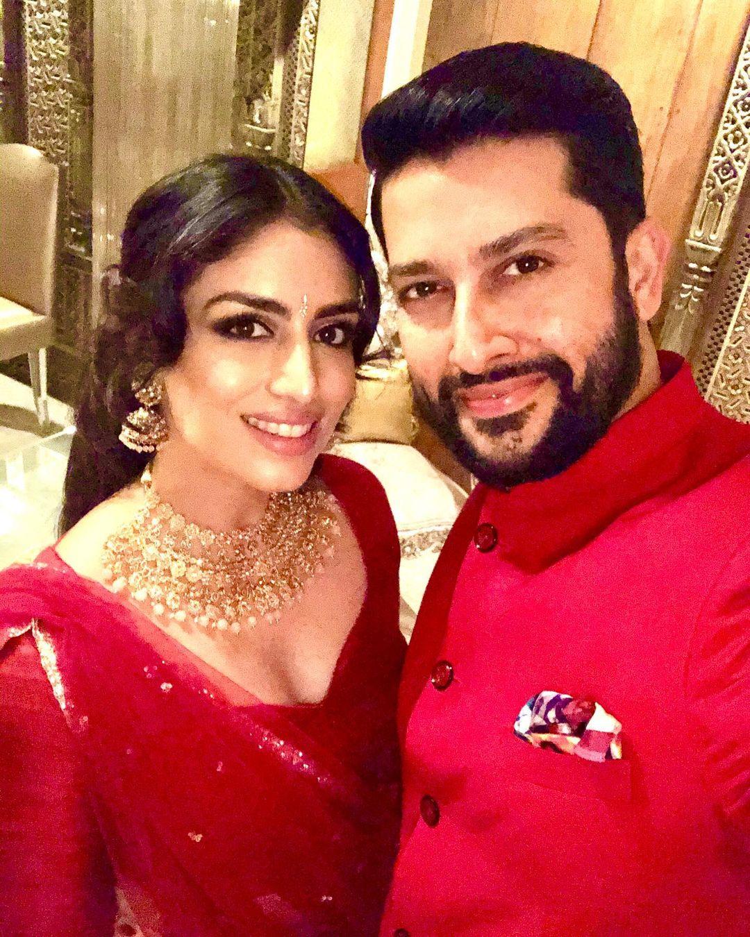 Aftab With Wife Nin